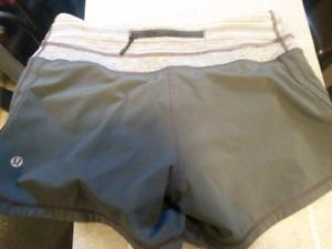 LUlulemon dot confirmed size 4 EUC grey shorts