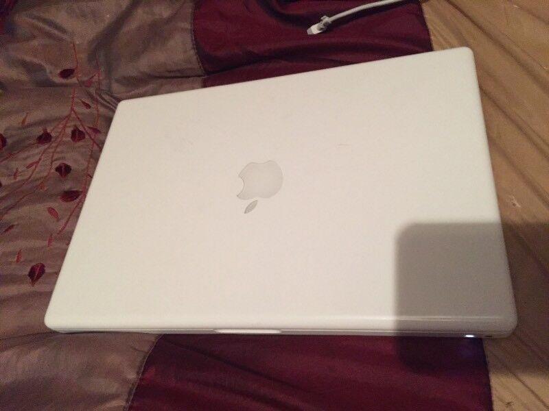 Apple MacBook 2006