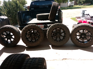 20X9 fuel off road rims with 295/75/R20 total grapplers