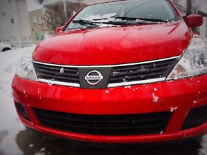 Nissan Versa 2008 pour pieces body ou ferraille 600$