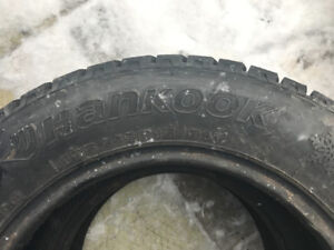 2 x HANKOOK winter tires 195/65/15 1 month used 180$ 514-6191972