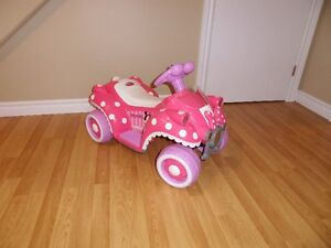 4 wheeler battery - Minnie Mouse