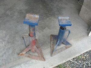 2 Car Jacks