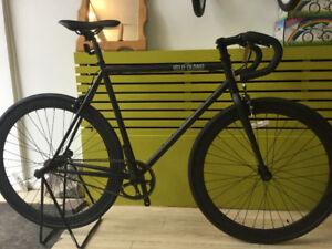 vente de vélo  fixie gear neuf 2018 à partir de $399