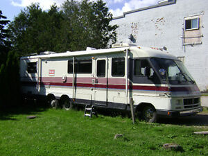 Motor Home waiting to travel!!!