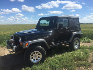 2004 Jeep Wrangler - Winch, Dual Tops, Lots of Extras!