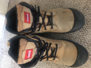 Tan colour steel toed work boots