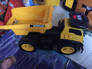 Ride along dump truck with sounds