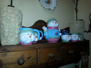 Tea set Christmas 7 peice set Windsor Region Ontario image 1