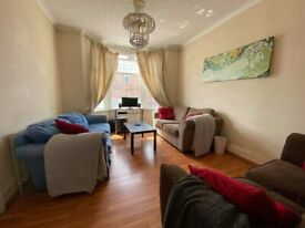 Two rooms available in our friendly houseshare