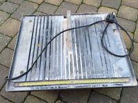 Electric tile cutter (Plasplugs master tiler)
