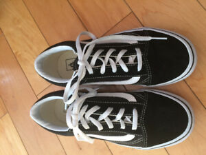 For Sale Vans Sneakers Girls size 4