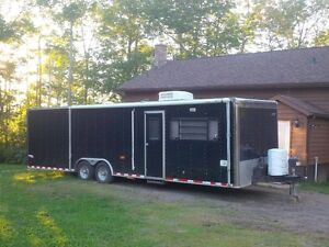 28 ft trailer with living quarters