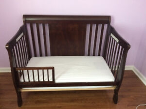 Stork craft Verona stages 4 in one crib