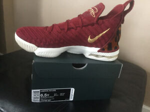 a1f38ac7 Nike | Buy or Sell Used or New Clothing Online in St. Catharines ...