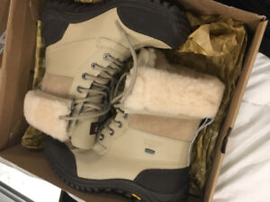 Uggs Taille 8.5 A VENDRE ********