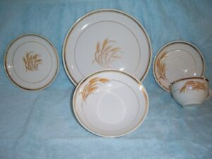 VINTAGE, (ONE OF A KIND) , HYCROFT CANADA 22K GOLD CHINA SET