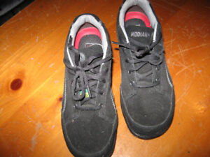 Laddies Kodiak Saftey Shoes Size 7 1/2