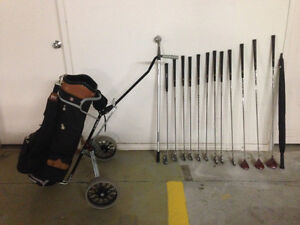 COMPLETE SET OF GOLF CLUBS AND ACCESSORIES