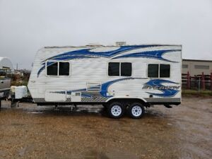 Toy hauler For Sale! Excellent Condition & 1/2 pullable