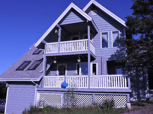Your beautiful log home overlooking the ocean, 30 min from Truro
