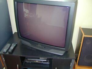 téléviseur couleur 32 po.