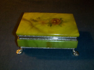 VINTAGE HAND CARVED ALABASTER TRINKET BOX-ITALY-CLAW FEET