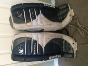 Hockey Goalie Pads- Vaughn Velocity 32""