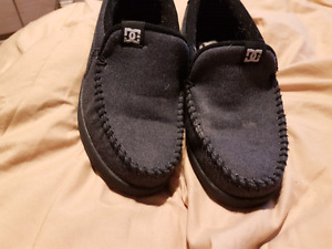 Mens , boys dc shoes size 7. Great condition.