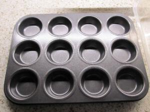 Scratch free heavy duty Muffin pan