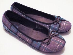 Ladies Slip on Shoes size 9