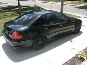 2009 Mercedes-Benz E-Class Black on Black London Ontario image 2