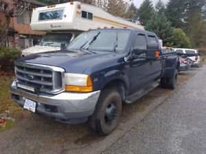 2001 Ford F-350 Lariat Pickup Truck