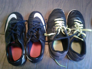 Kids (boys)Size 1 -2 shoes and klits