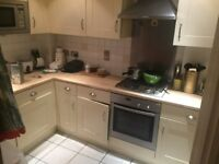 Beautiful 2 bed Apartment near Camberley Station