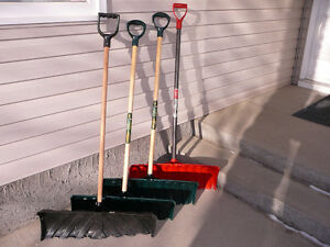 26 INCH SNOW SHOVELS / SNOW PUSHERS
