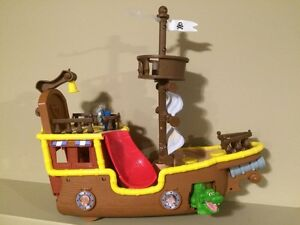 Jake's Bucky Pirate Ship - Great condition