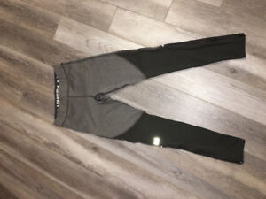 Woman's Under Armour leggings - Size small