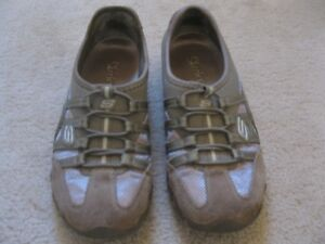 Woman's Or Youth Girl's Sketcher Shoes