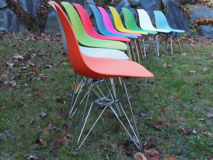 Eames side chaise