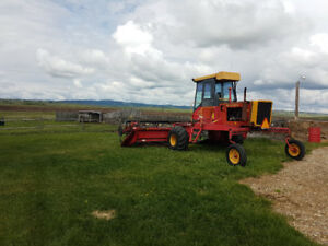 Versatile 4400 hydrostatic swather