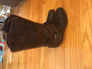 Cowgirl boots size 5