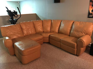 Sofa sectionel en cuir/ Leather coutch (sectional)
