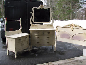 Bureaux antique en chêne maillé