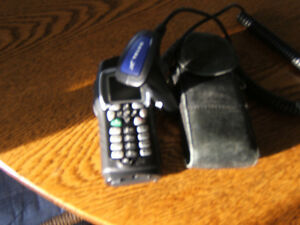 i355 TELUS MIKE CELL -PHONE WITH CHARGER AND BLK. LEATHER CASE Kingston Kingston Area image 7
