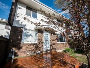 OPEN HOUSE - 104 Roseland Village - Sat, May 27 from 2-4 PM