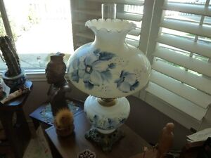 Blue/White Gone With the Wind Lamp