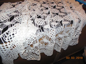 tablecloth hand made-couvre table fait a la main
