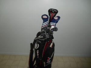 Ensemble de golf Callaway et Wilson Staff - Très peu utilisé