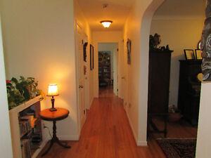 Four Bedrooms, Large Corner Lot, Garage, In-Law Suite Kingston Kingston Area image 4